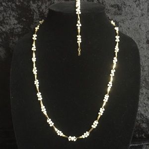 Jewelry - Gold & pearl cluster necklace & bracelet set P011